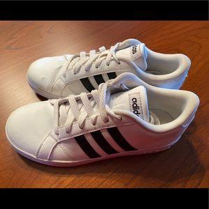 Girls Adidas cloudfoam sneakers